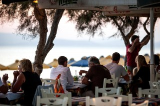 manolis-restaurant-tavern (6)
