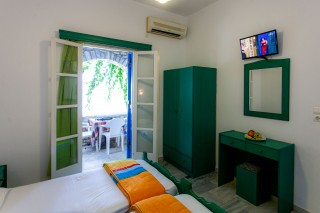 flora rooms tv maragas beach