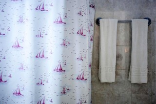 maragas beach flora room bathroom naxos