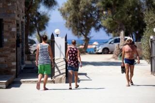 maragas beach guests