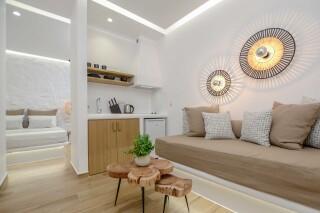 superior studio maragas living room