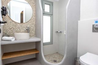 luxury apartment maragas camping bathroom