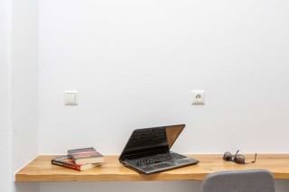 superior apartment maragas laptop