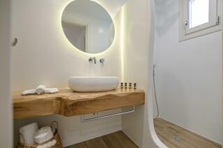 naxos superior studios and apartments maragas bathroom