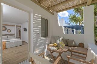 naxos superior studios and apartments maragas sitting area